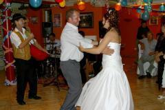 A menyasszotánc